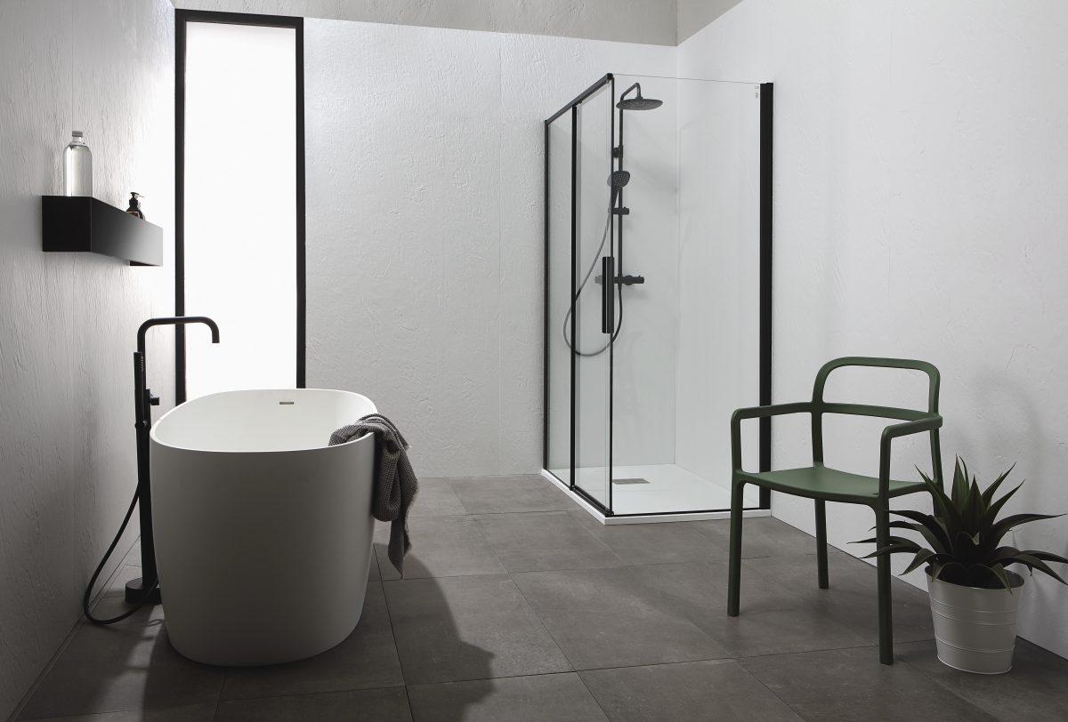 sfeerbeeld van een minimalistische en moderne badkamerstijl